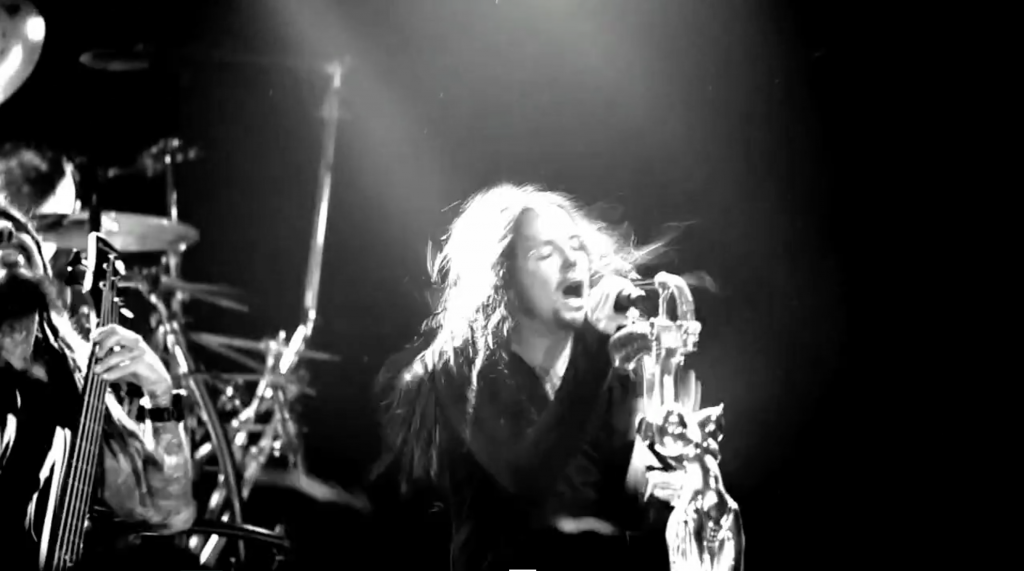 Korn feat. Skrillex<h5>Narcissistic Cannibal / Roadrunner Records</h5>